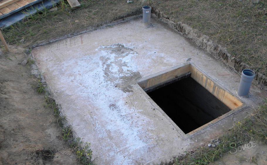 погреб на улице зимний