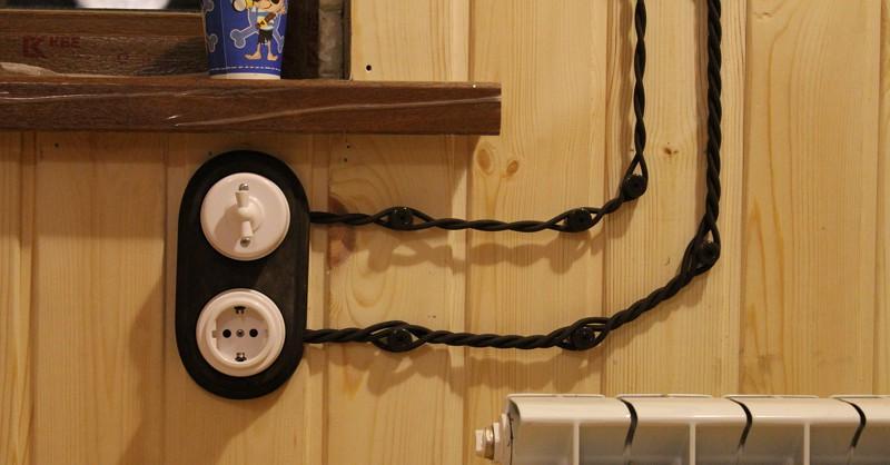 Как сделать проводку в деревянном доме