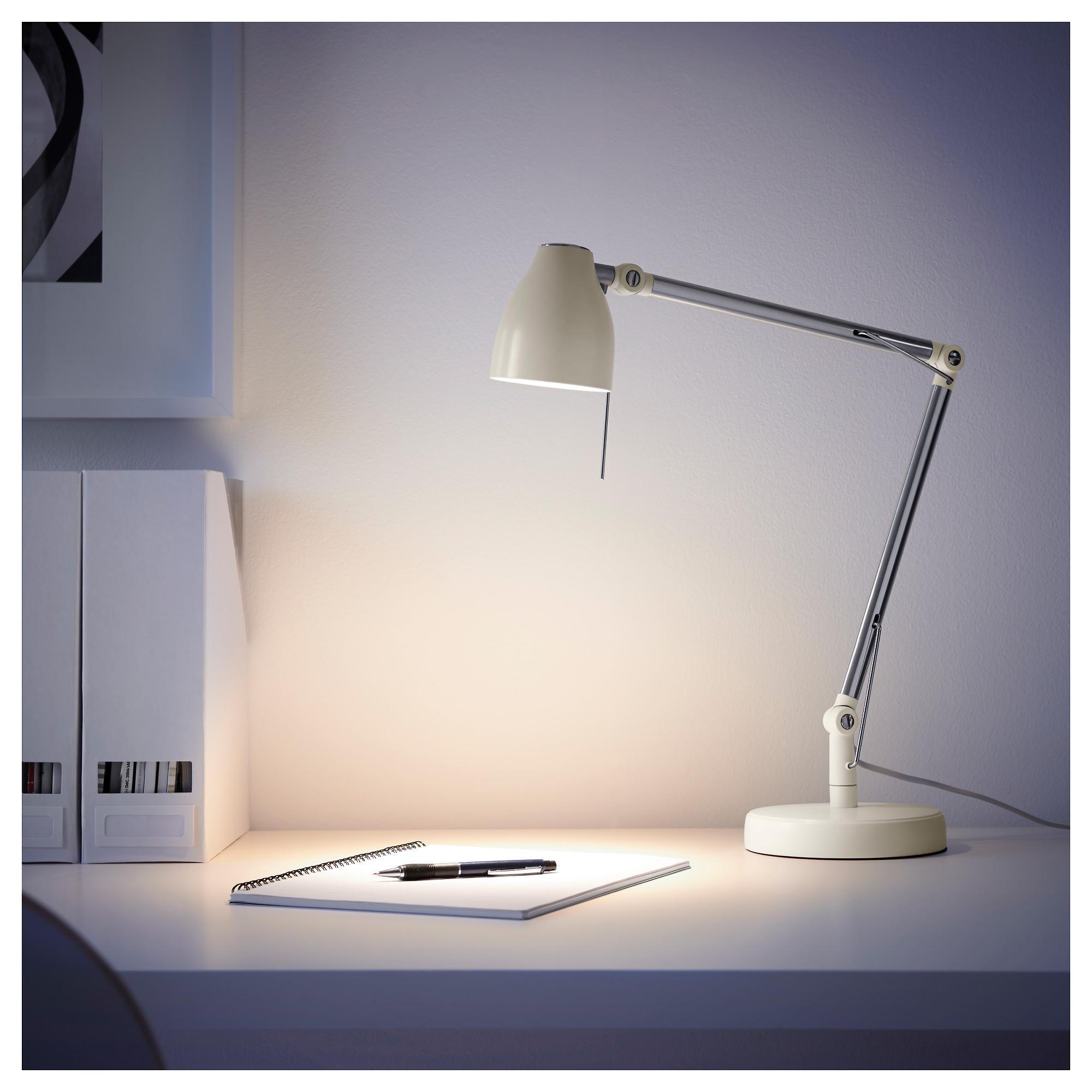Абажур настольной лампы