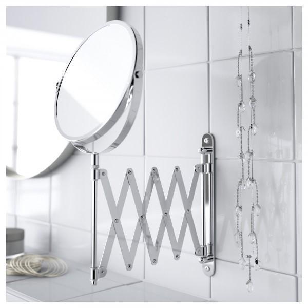 Раздвижное зеркало в ванной