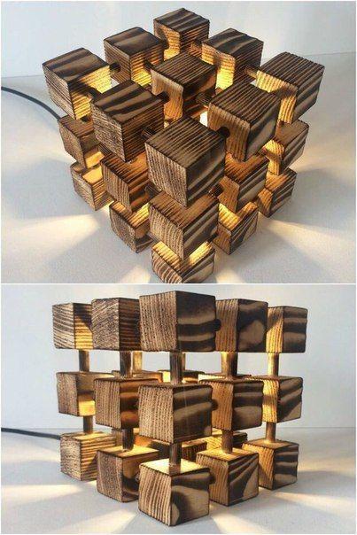 Светильник из деревянных кубиков