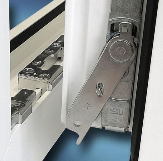 Дверь с микролифтом