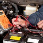 Измерение заряда аккумулятора автомобиля мультиметром