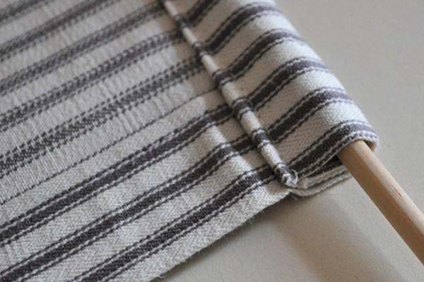 Крепление верхней части ткани рулонной шторы