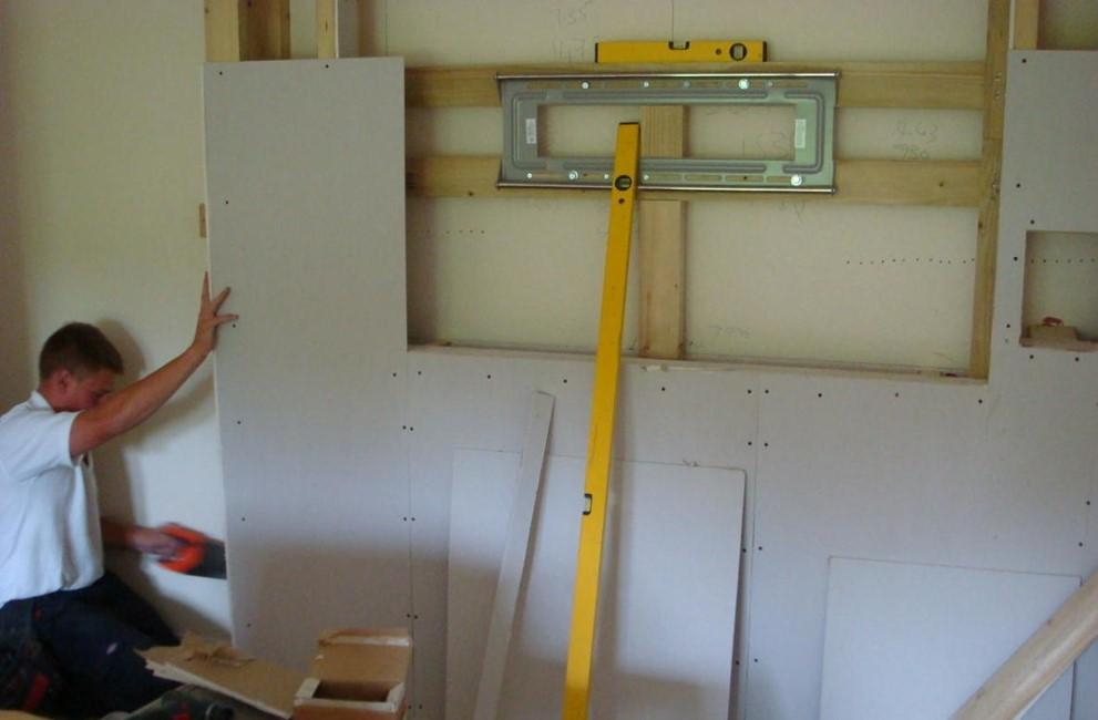 Монтаж телевизора на деревянную опору под гипсокартоном