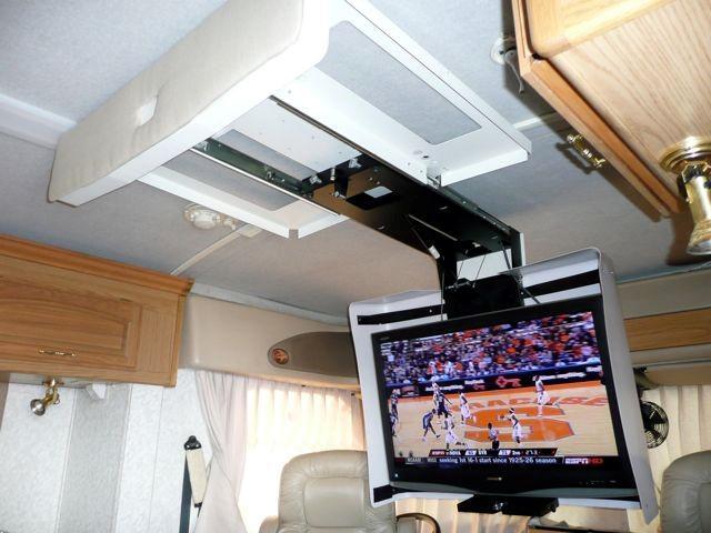 Регулируемый кронштейн для телевизора на потолке