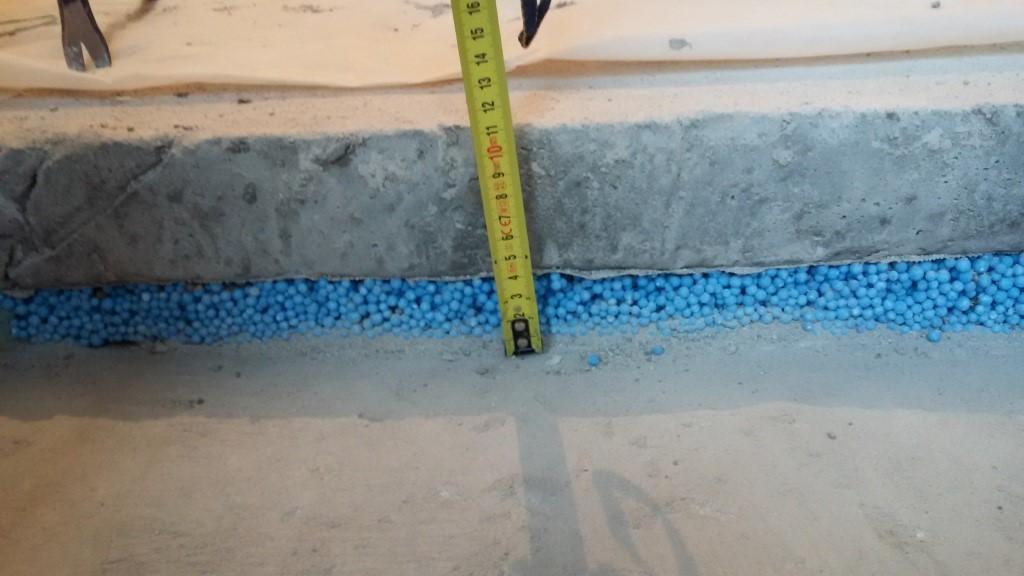 гранулы пенополистирола под стяжкой