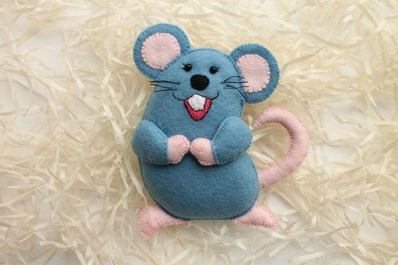 Елочная игрушка мышь