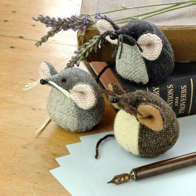 Вязаные мышки новогодие