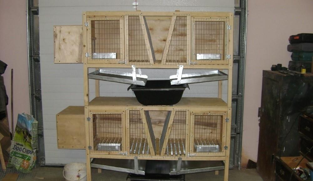 Металлические лотки и таз предназначены для быстрой и удобной уборки эксрементов