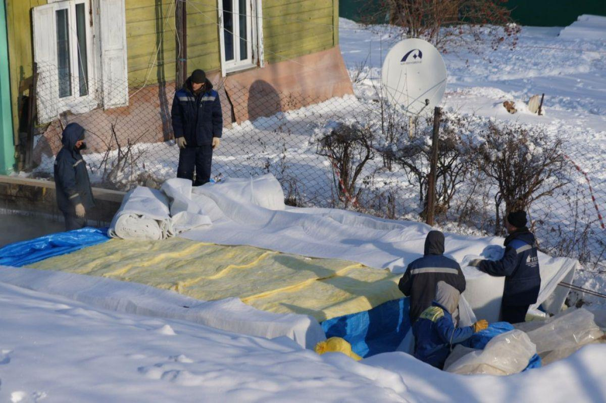 Накрытие фундамента при зимней заливке