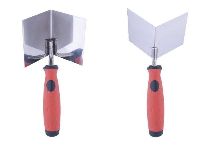 Угловые шпатели, слева для внутренних углов, справа – для наружных