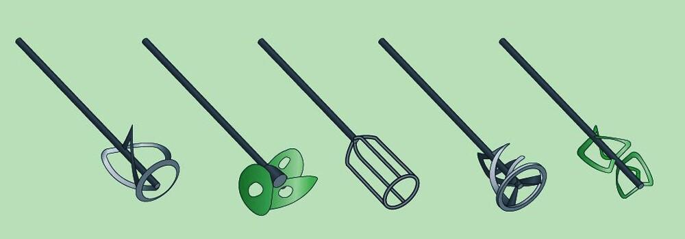 Варианты насадок для разной густоты составов. Для шпаклевки подходят металлические, крайний слева и второй справа