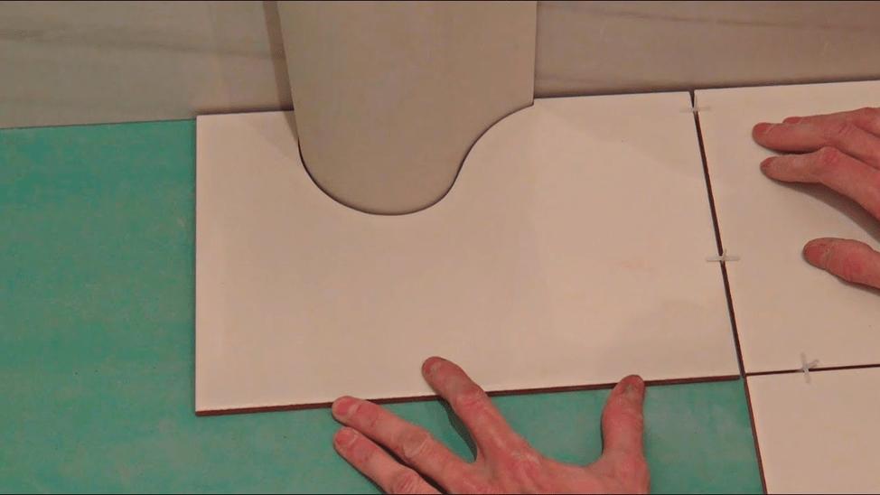 Фигурный вырез в плитке