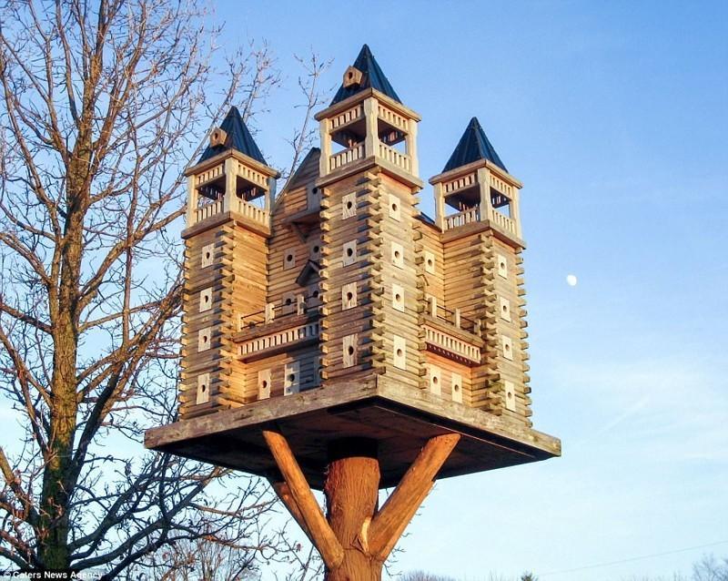 Замок скворечник