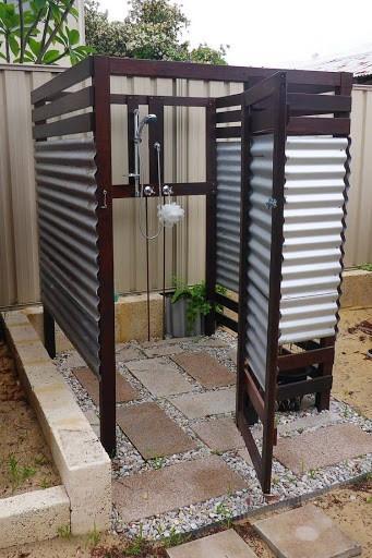 Летний душ с открытым верхом