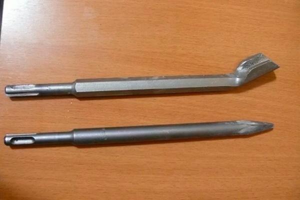 Насадка-лопатка на перфоратор для штробления