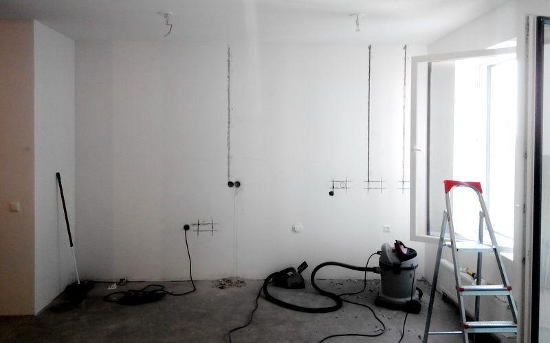 Штробы на стенах для проводки
