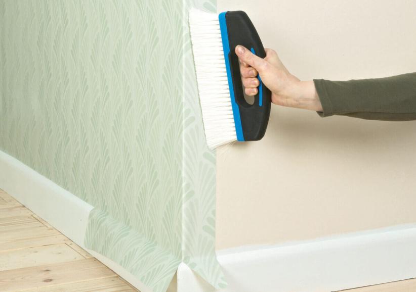 Как правильно клеить обои в углах комнаты - подробная инструкция