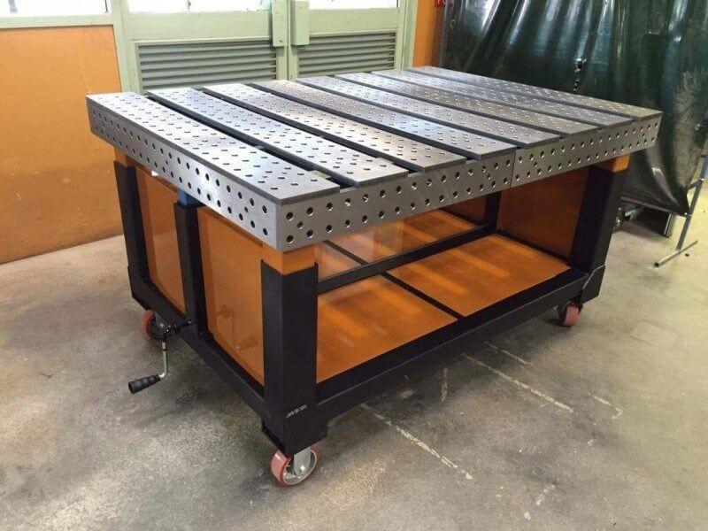 Сварочный стол с перфорированной столешницей
