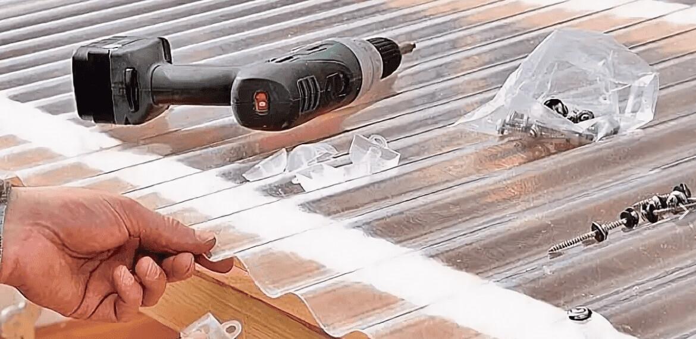 Монтаж монолитного поликарбоната