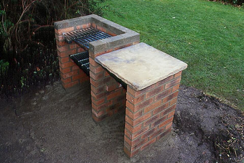 Печь для барбекю с разделочным столом