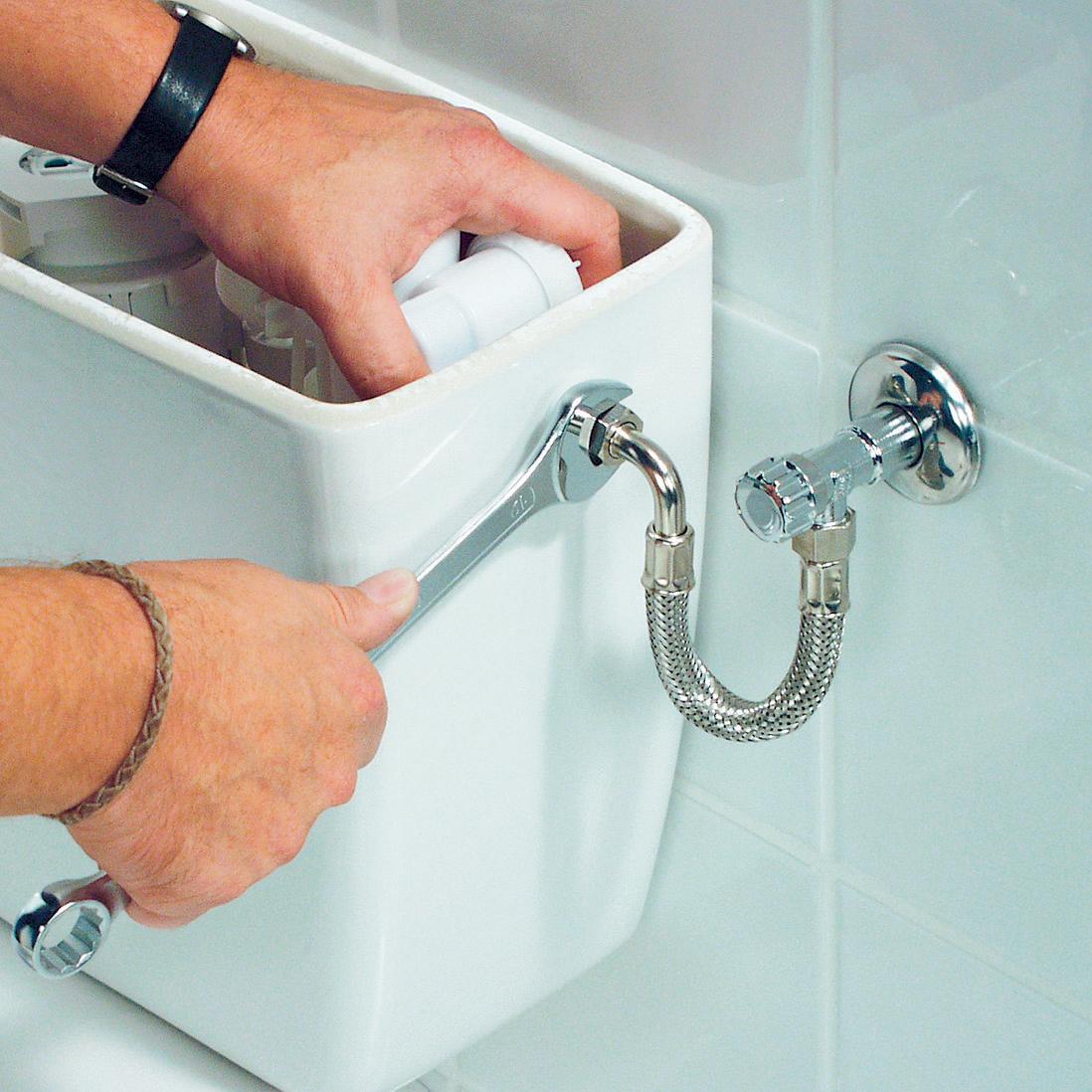 Подключение шланга холодной воды