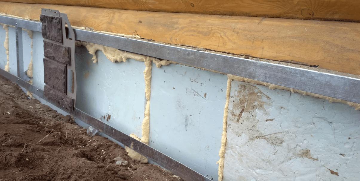 Утепляем фундамент дома с помощью пенопласта